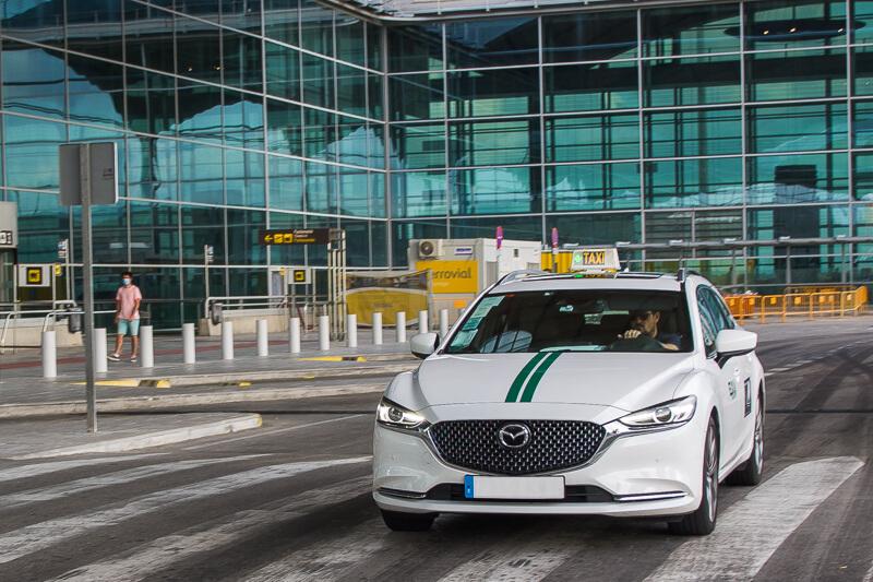 taxi en el aeropuerto de alicante